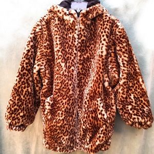 IZZI Activewear Fur Reversible Coat Cheetah Black